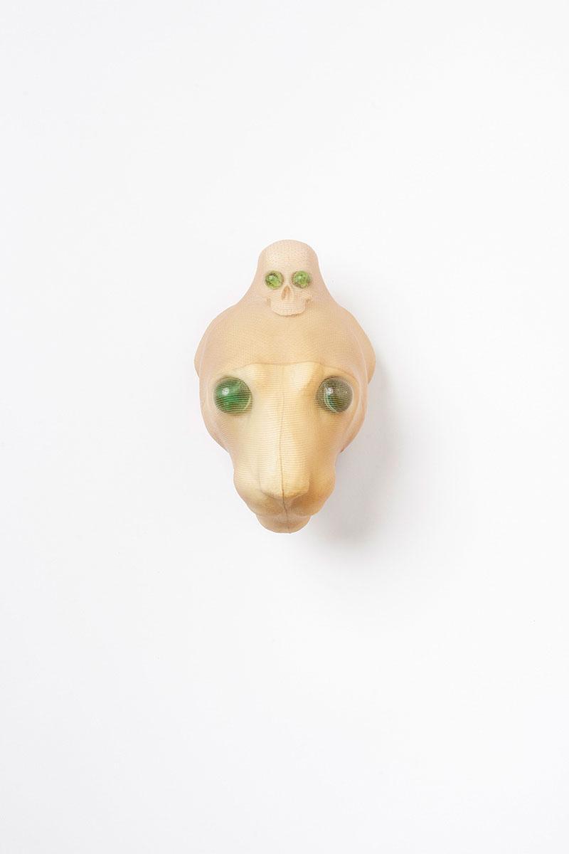 "o.T. aus ""Endemisches Kollegium"", 2017, 22 x 14 x 13 cm, PU-Form, PVC, Glas, Nylon-Gewebe"