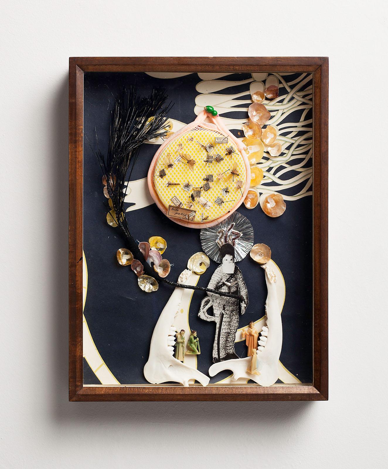 "o.T. aus ""Petrichor – Alpis"", 2016, 39,8 x 30 x 6,5 cm, diverse Materialien in Schaukasten"