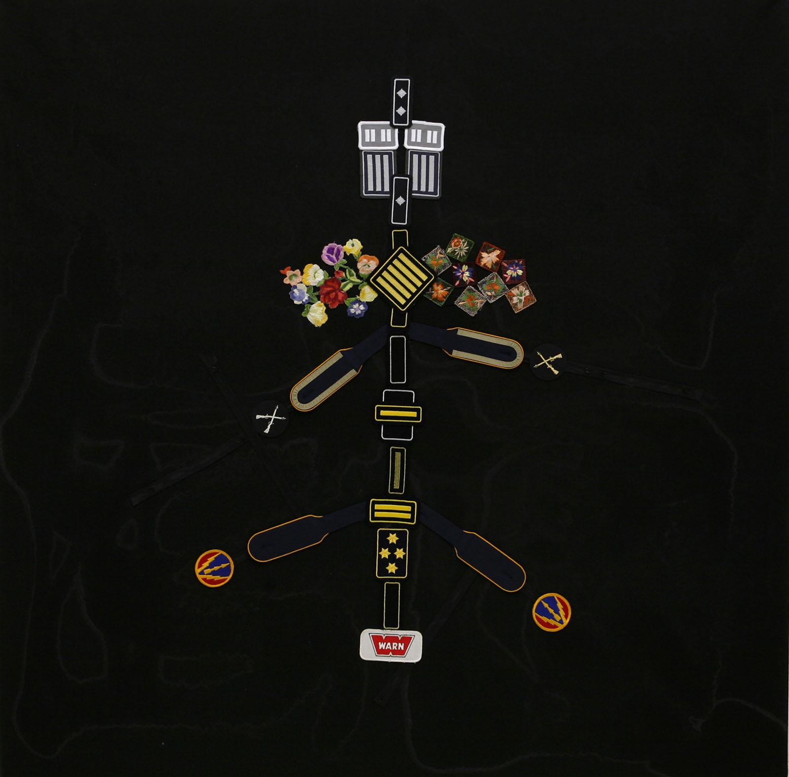 """""""Erster Festschmuck für einen Flußpferdschädel"""" aus """"Krähen Kommen -Titanweiß"""", 2008, 130 x 130 cm, Applikationen auf Leinwand"""
