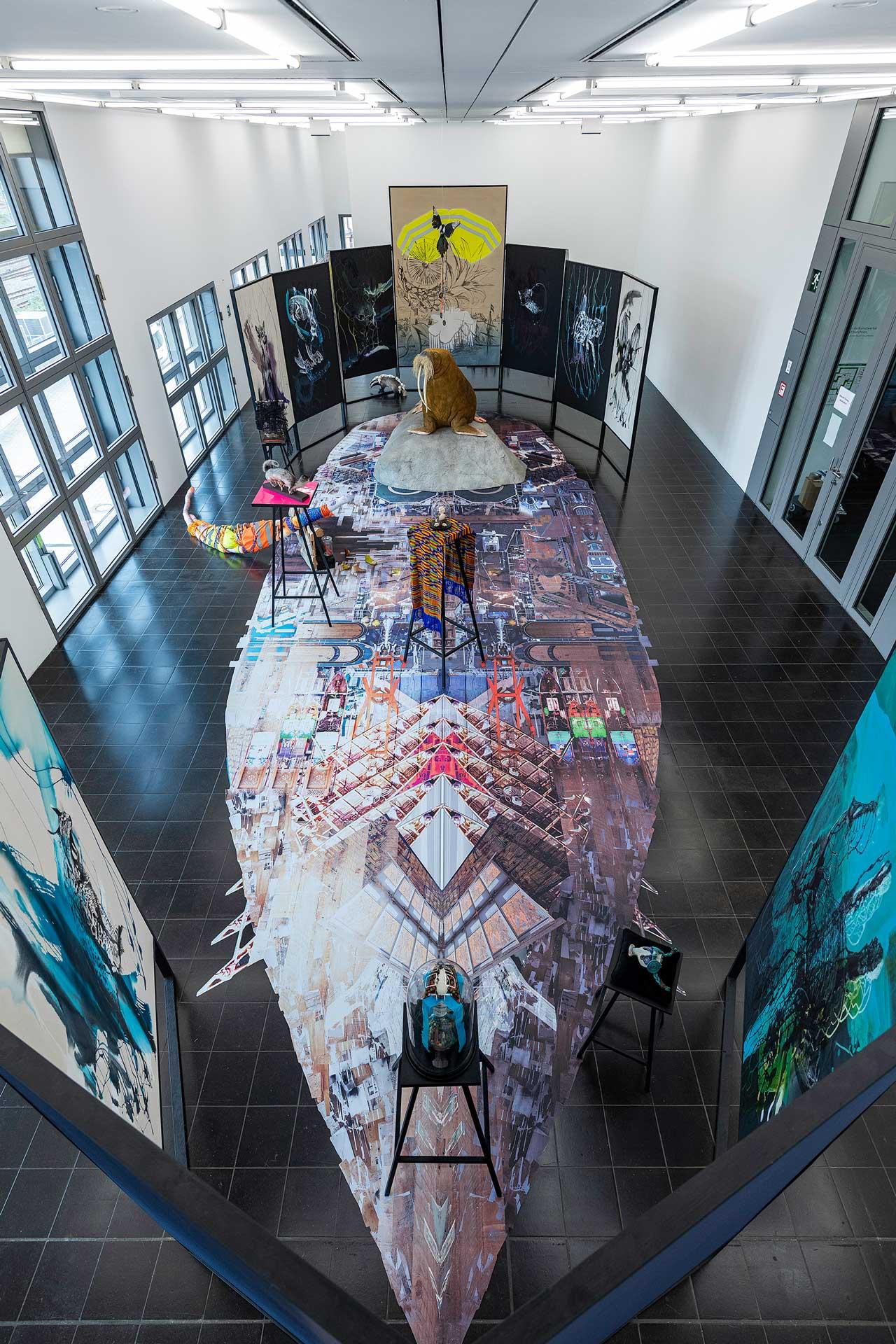 Bild der Hamburger Kunsthalle mit der Ausstellung Helga Schmidhuber 2020